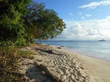 West Side of Plun Island